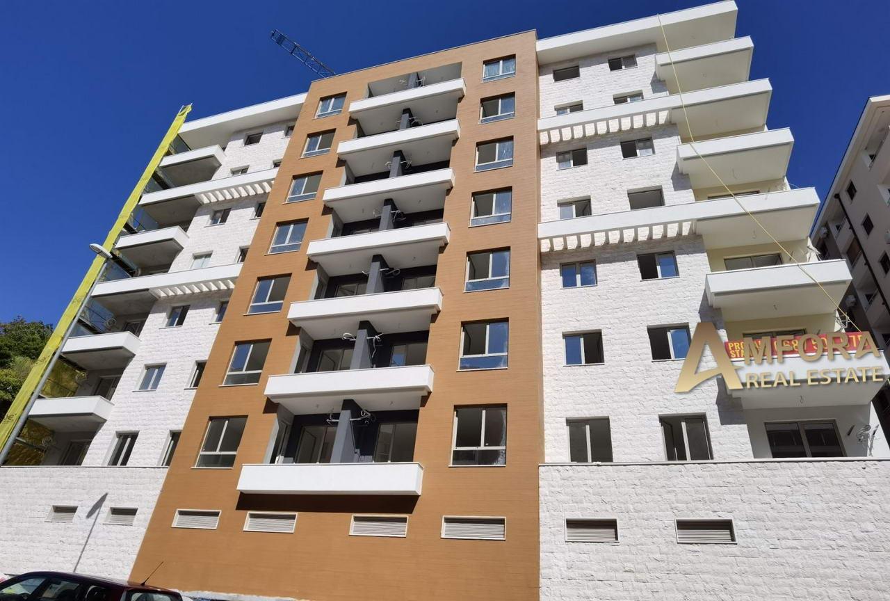amforaproperty.com/Studio apartman 29m2, 300m od plaže, Bečići. Novogradnja.