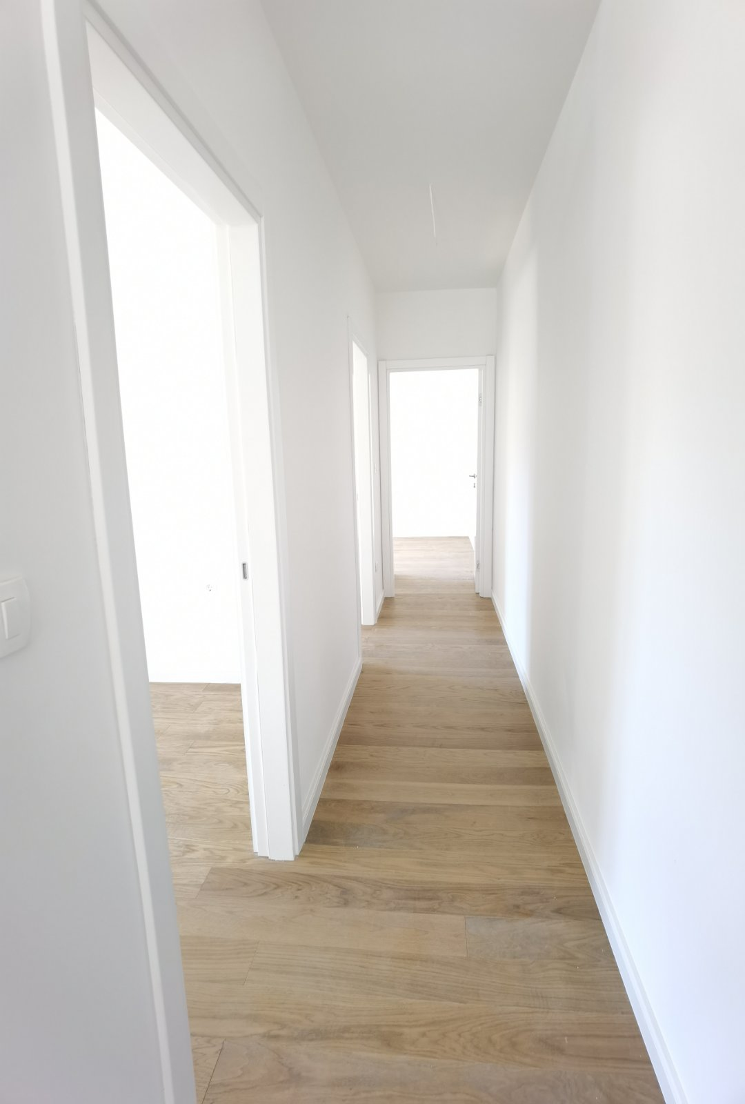 amforaproperty.com/Prelijep nov trosoban stan u centru Budve!