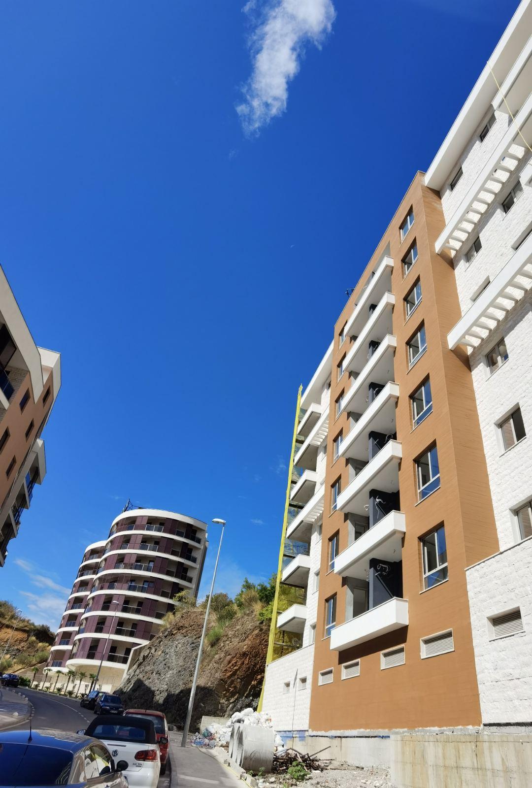 amforaproperty.com/Studio apartman sa pogledom na more  29m2, 300m od plaže, Bečići. Novogradnja.