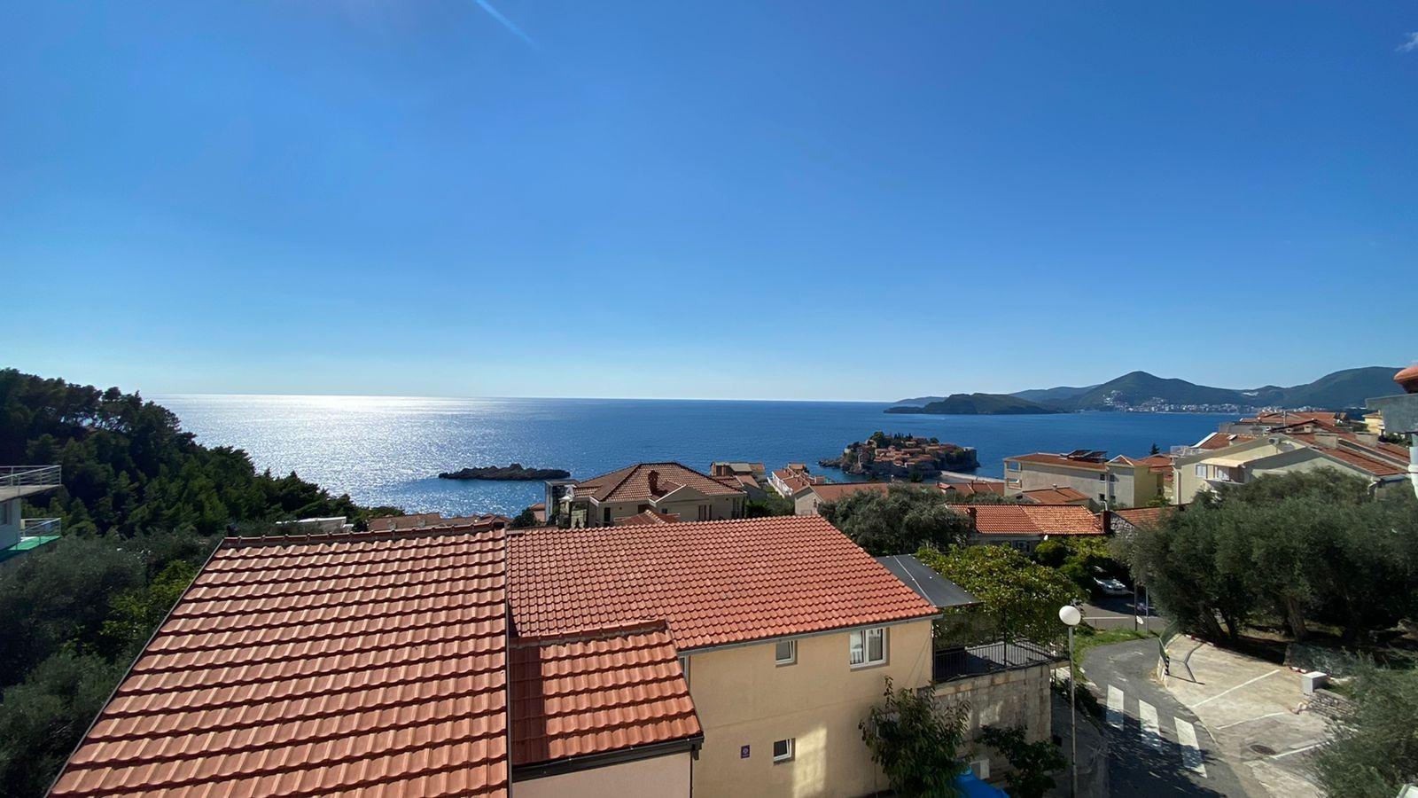 amforaproperty.com/Jednosoban stan 45m2 sa prelijepim pogledom na more i Sveti Stefan