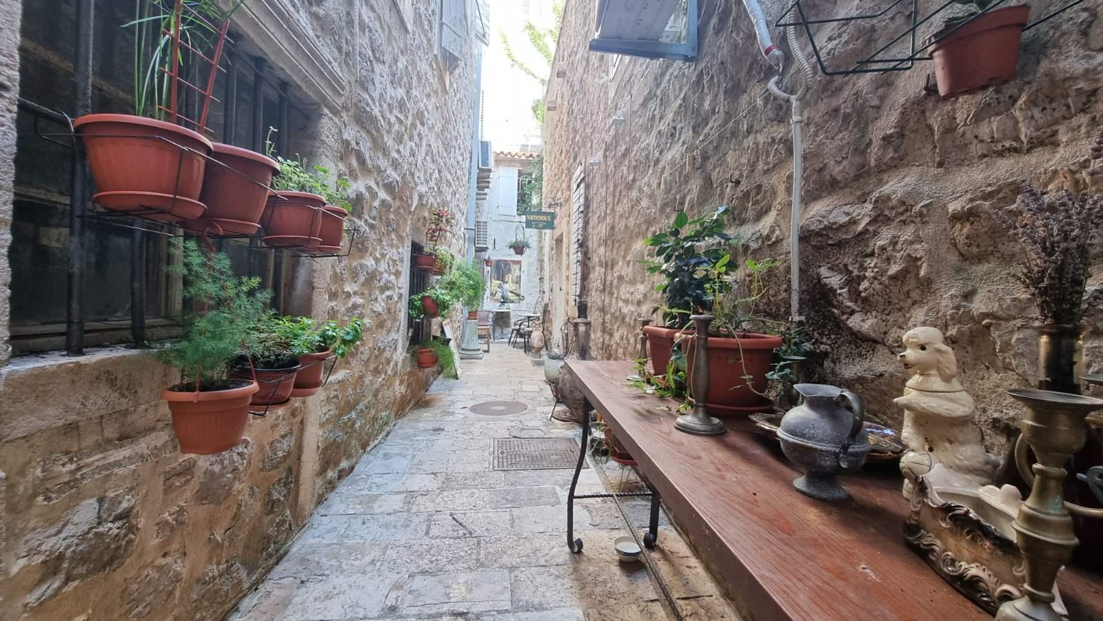 amforaproperty.com/Poslovni prostor 41m2, Stari Grad Budva