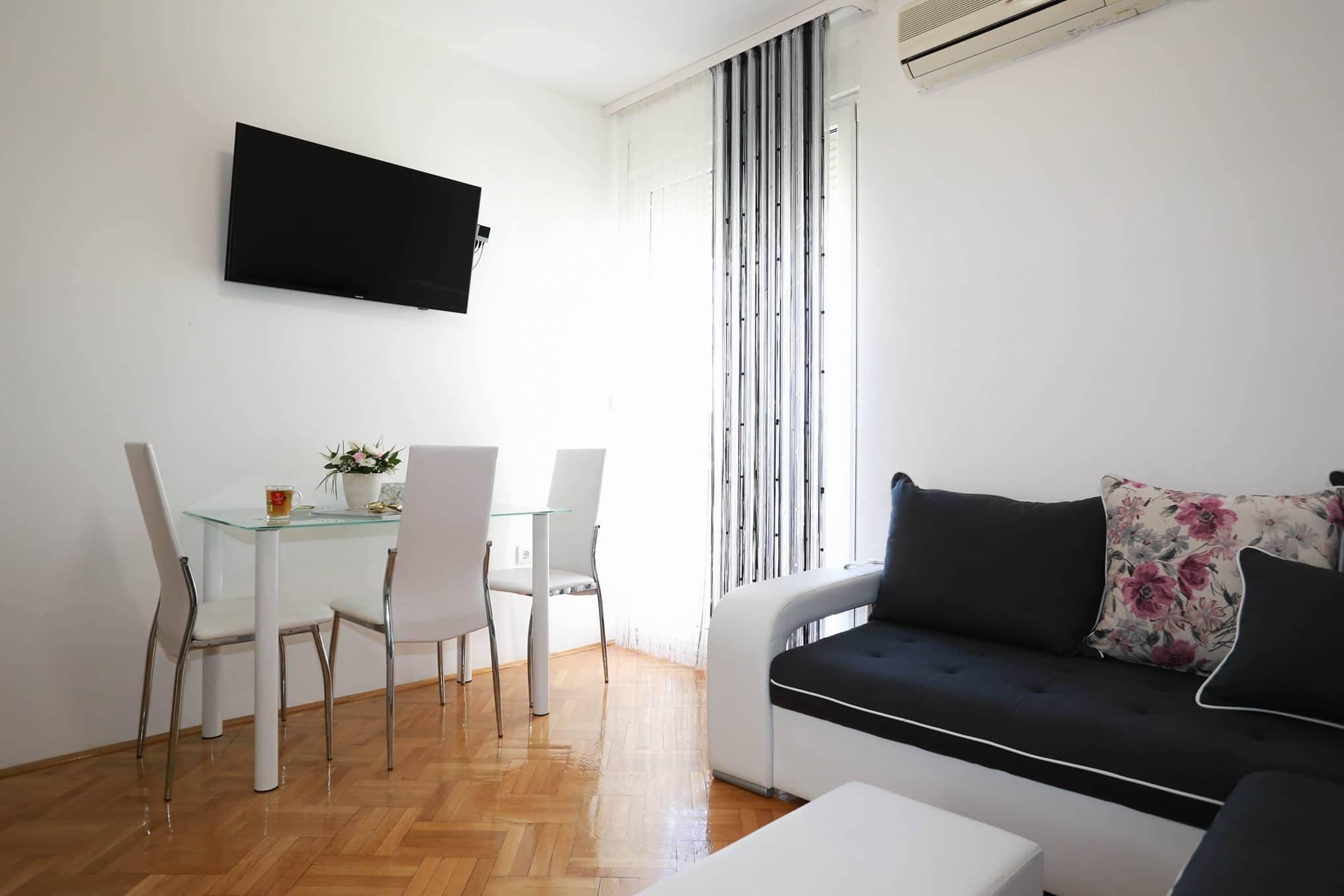 Studio 20 m2 in Budva center, next to hotel Tree Canne – Nekretnine ...