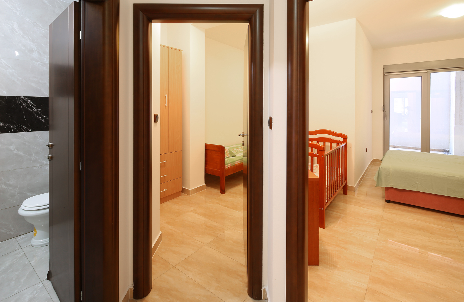 amforaproperty.com/Fantastičan stan 97 m2 na prvoj liniji u Rafailovićima