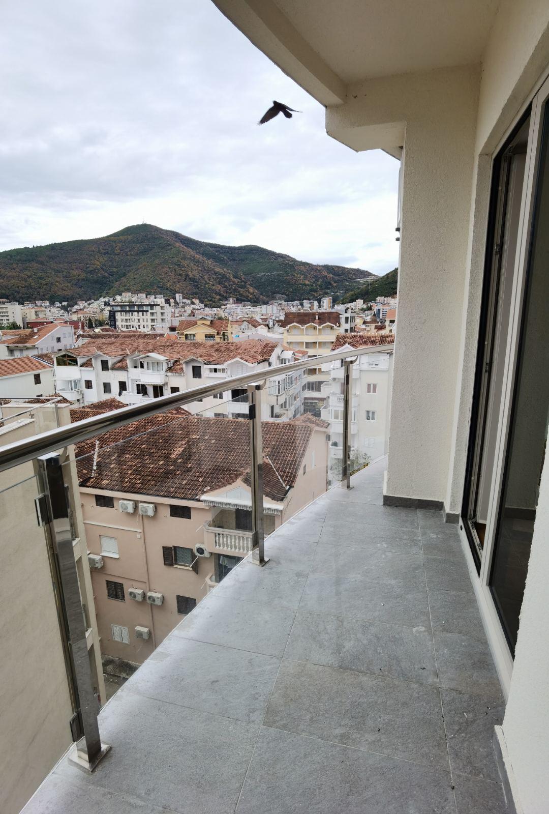 amforaproperty.com/HITNA PRODAJA  , dvosoban stan 85 m2 na bulevaru iza Tehnomaxa