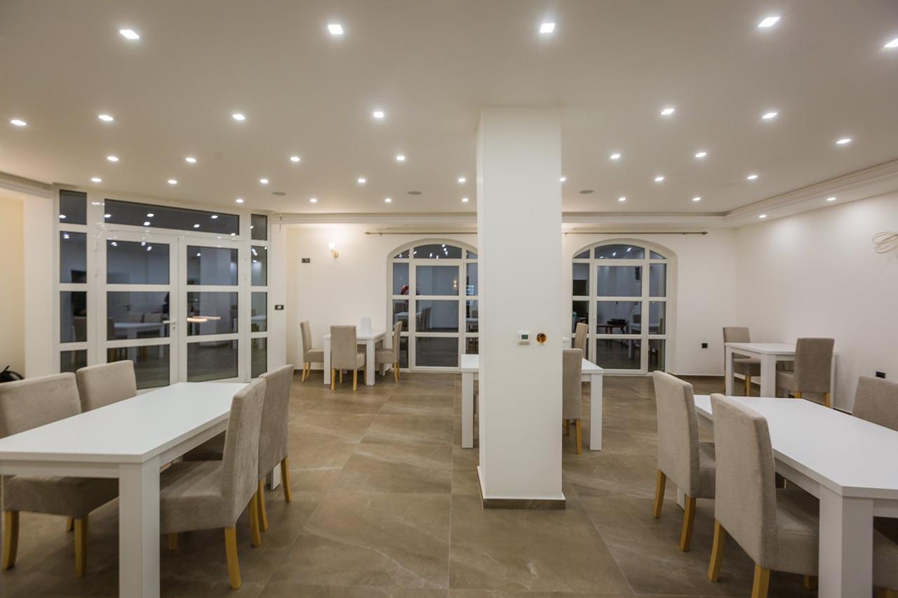 amforaproperty.com/Prelijep, nov hotel na prodaju! Cetinje