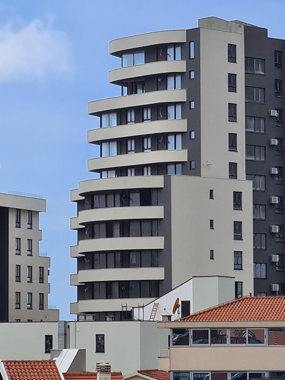 amforaproperty.com/Dvosoban stan 80m2 na prvoj liniji u Rafailovićima.  240 000€