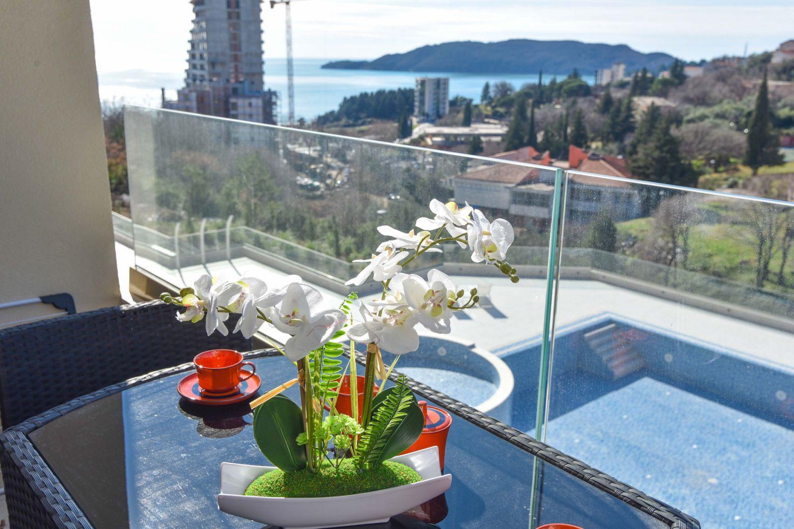 amforaproperty.com/Status S – jednosoban luksuzan stan za odmor. Bečići