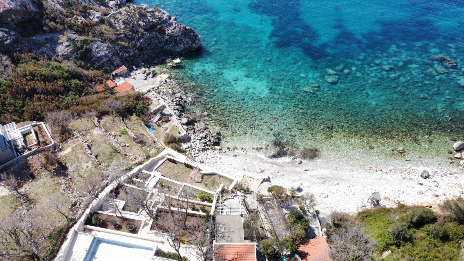 amforaproperty.com/Urbanizovan  plac na atraktivnoj lokaciji blizu obale! Jedinstvena ponuda!