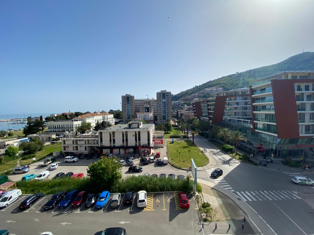 amforaproperty.com/Nov jednosoban stan od 50m2 sa pogledom na more i Stari grad u strogom centru Budve! Wow residece!