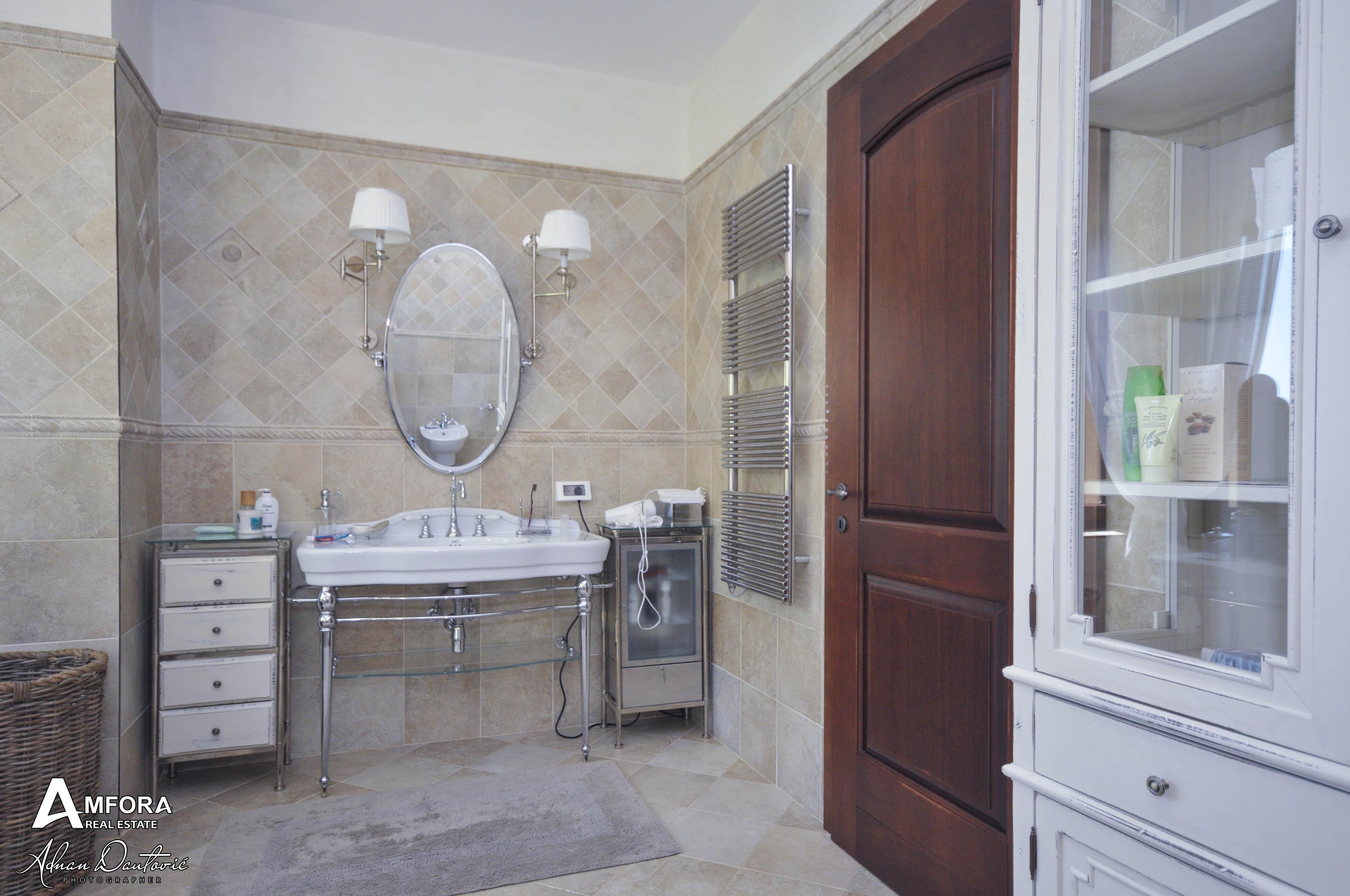 amforaproperty.com/Najluksuznija nekretnina u Crnoj Gori! Velelepna vila na uređenom imanju! Blizikuće-Budva