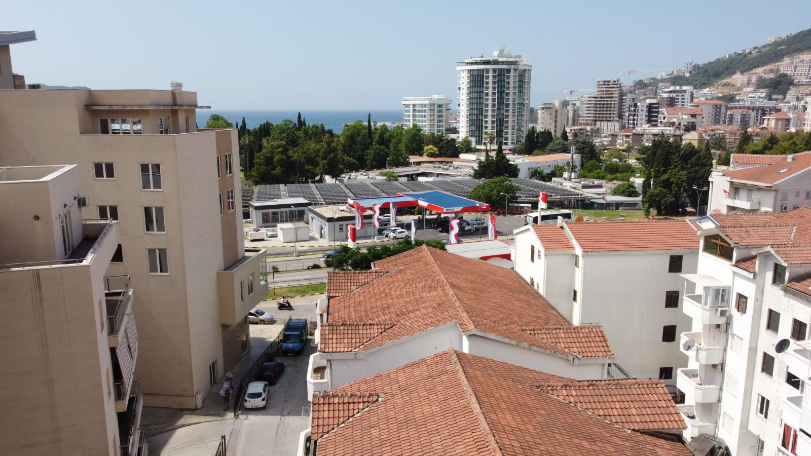 amforaproperty.com/Nov dvosoban stan 85m2, na izvrsnoj lokaciji, 3 min do plaže, pogled na more! Budva